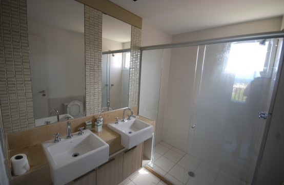 Wc suite apto ed. Beach Park Living